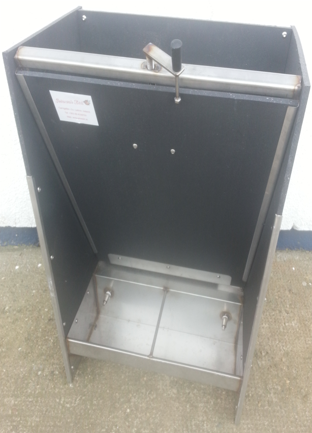 Pvc feeders with stainless steel trough jetwash